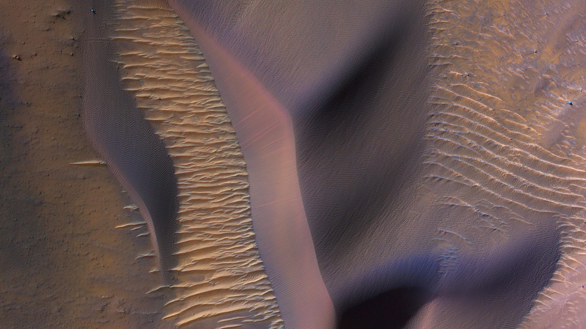 Photo of sand dunes taken from Mars orbit.