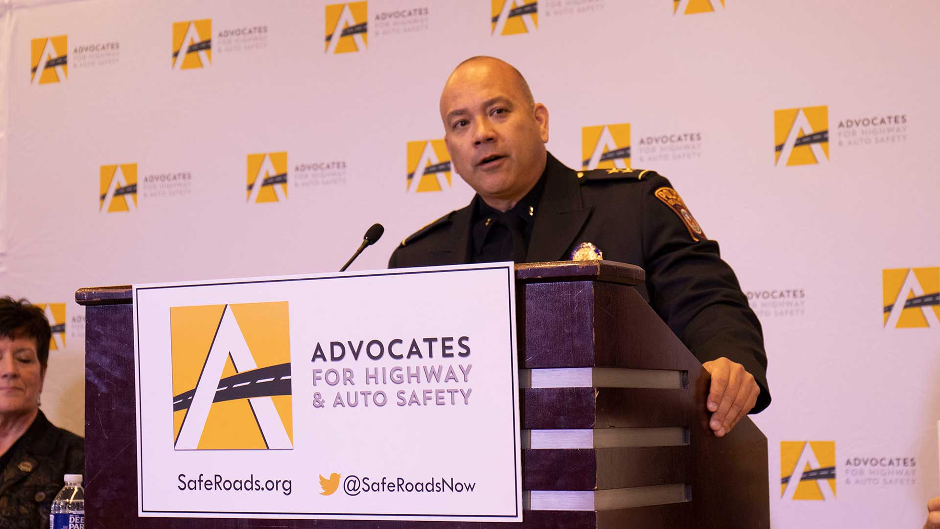 "Oro Valley Police Cmdr. Chris Olson said Arizona's recently enacted law banning texting behind the wheel is ""a good start"" toward safer driving in the state, as distracted driving is a problem that police see all too often."