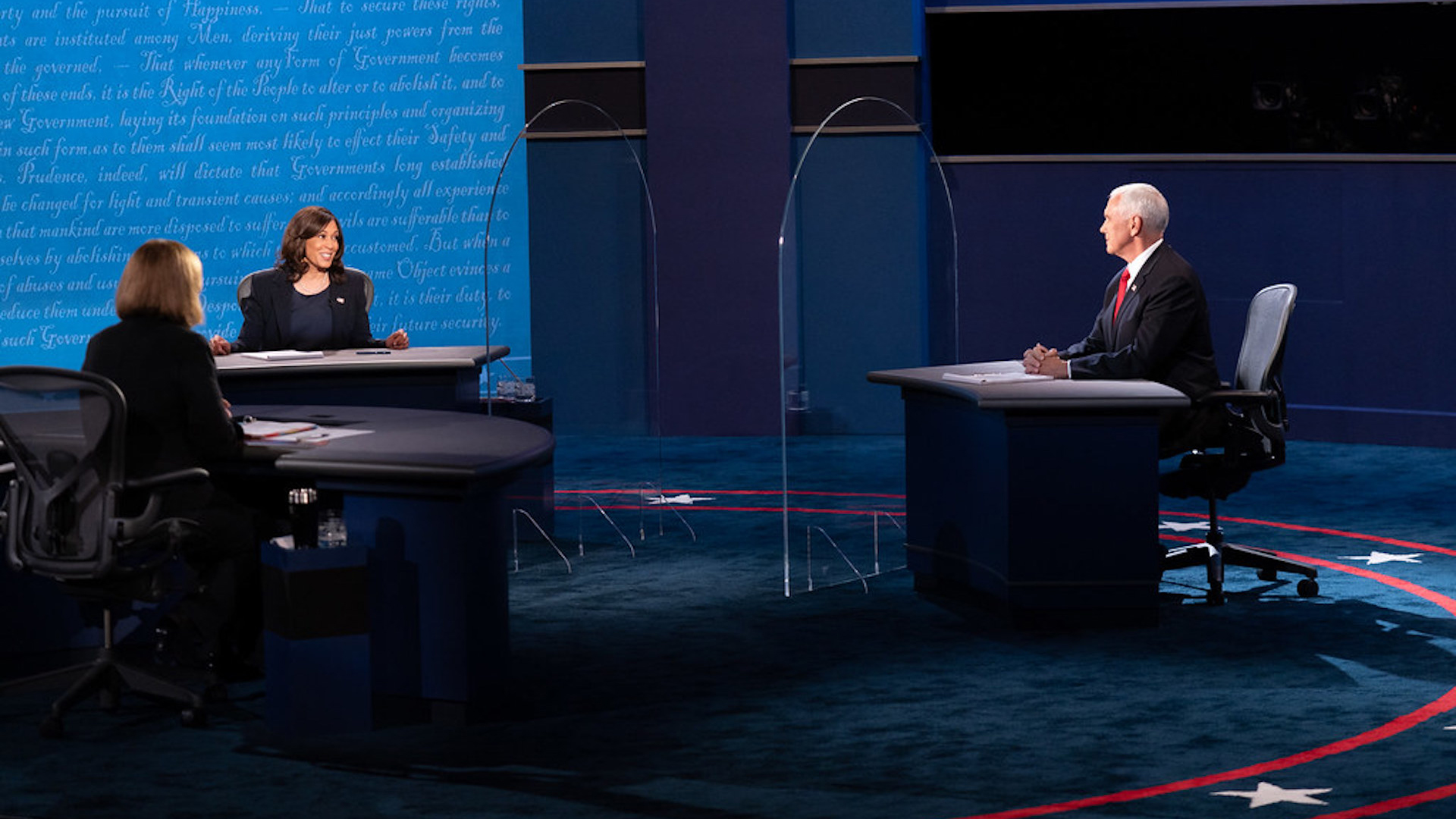 California Sen. Kamala Harris (L) and Vice President Mike Pence in a televised debate, October 7, 2020.