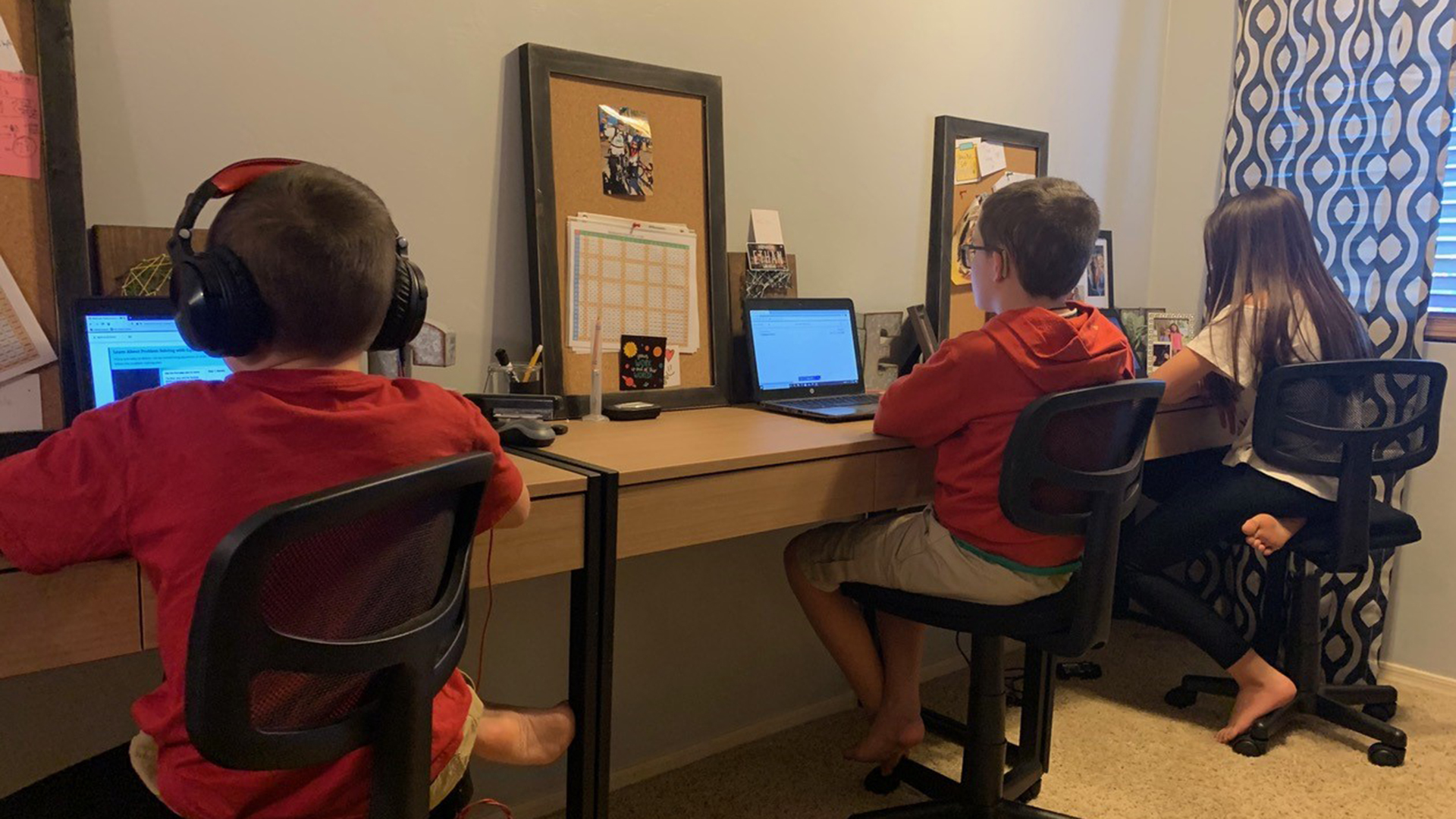 Ami Bunch's 11-year-old triplets homeschooling during the pandemic.
