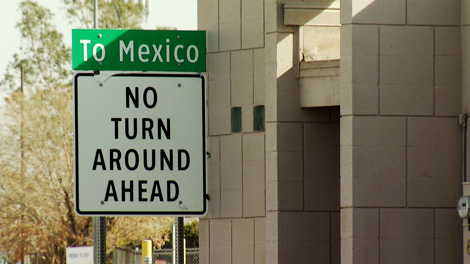 A sign lets drivers know they are entering Mexico at the port of entry in Yuma.