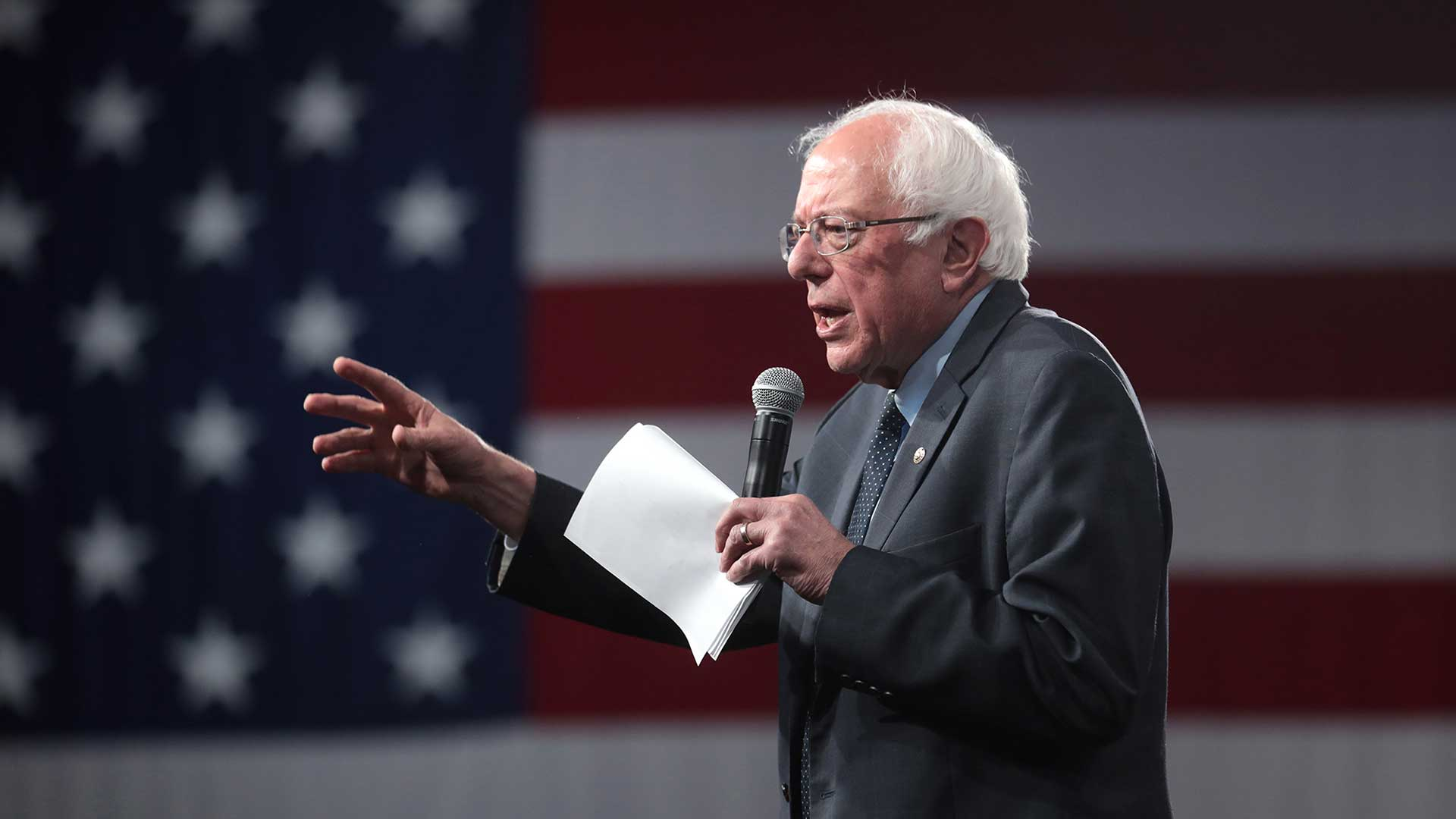 Vermont Sen. Bernie Sanders had a strong lead in campaign donations from Arizona donors among the Democratic field of presidential hopefuls, raising $768,054 as of Jan. 31, according to Federal Election Commission reports.