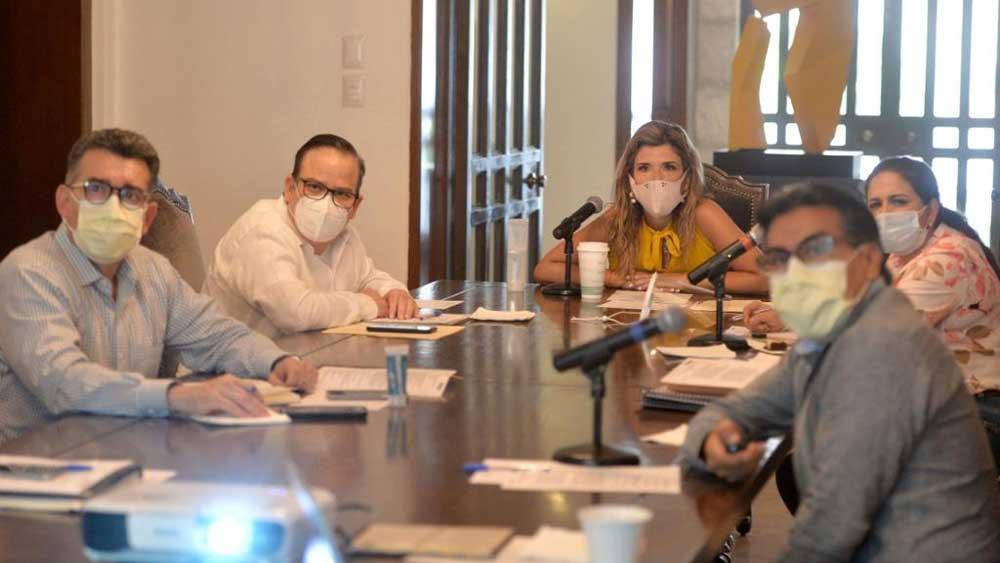 Sonoran leaders meet to discuss the coronavirus pandemic on April 28, 2020.