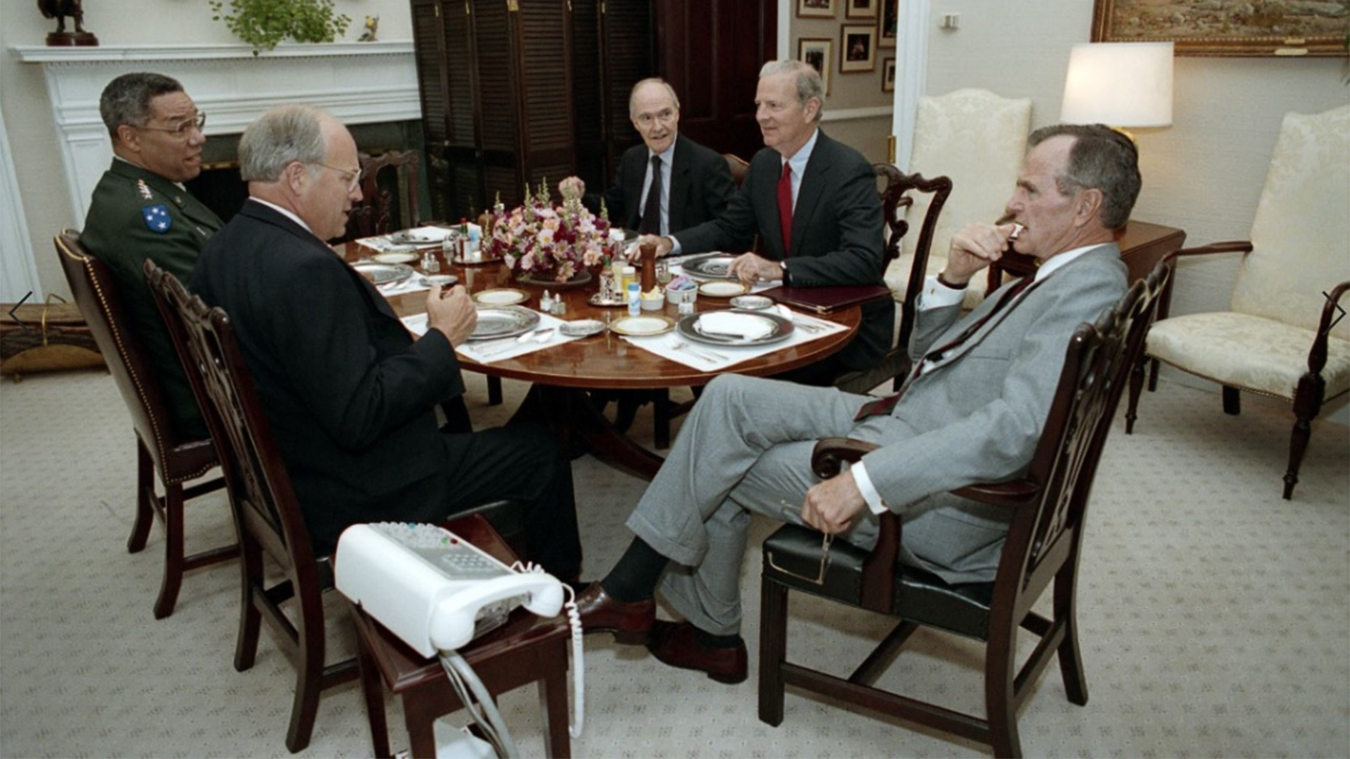 (From left) Colin Powell, Richard Cheney, Brent Scowcroft, and James Baker meet with President Bush, June 26, 1992