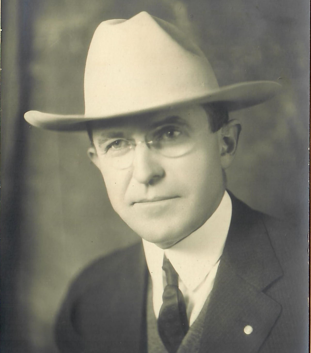 w.e. barnum portrait unsized