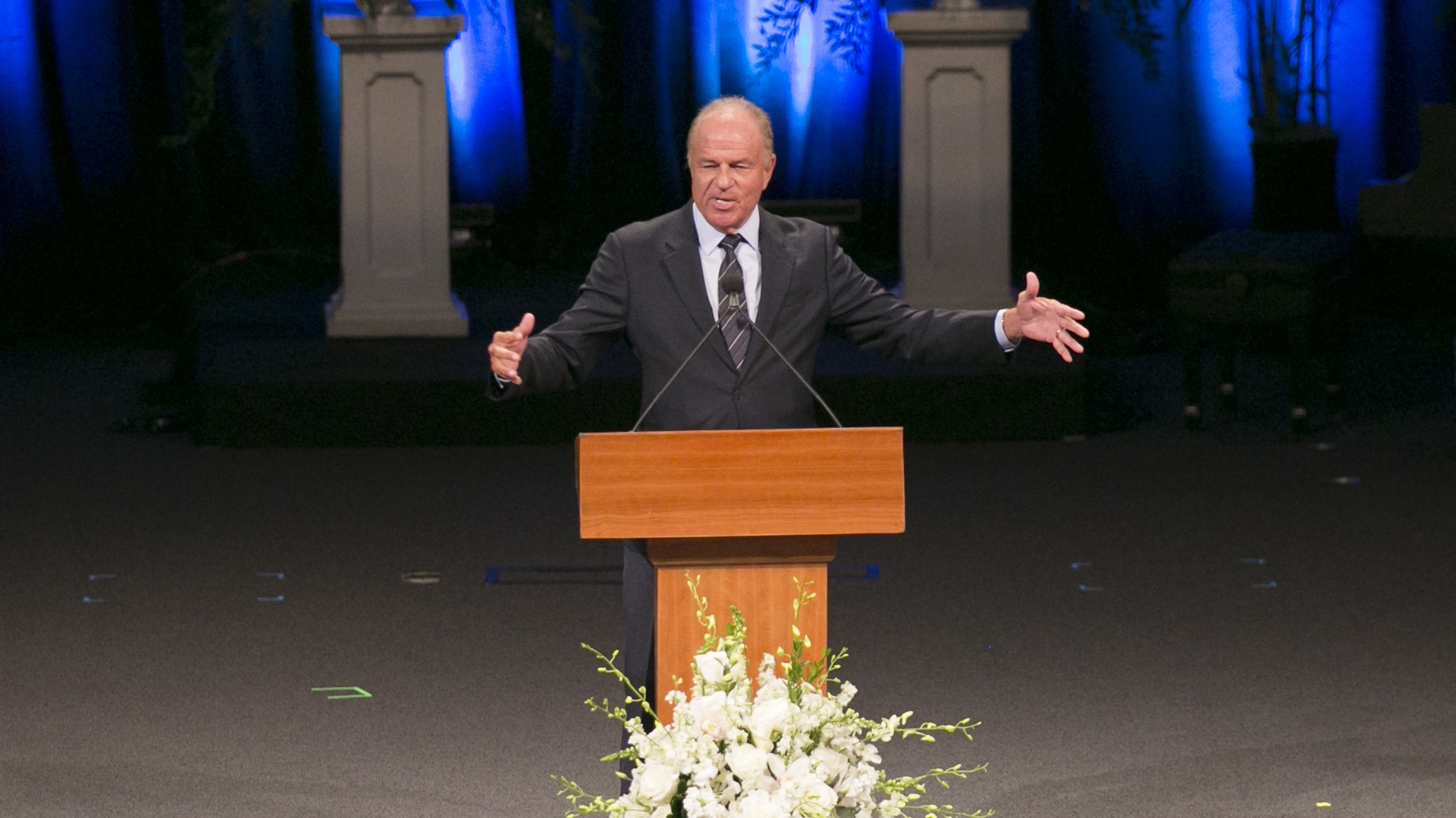 Former Arizona Attorney General Grant Woods speaking at a service for former U.S. Sen. John McCain on Aug. 30, 2018.
